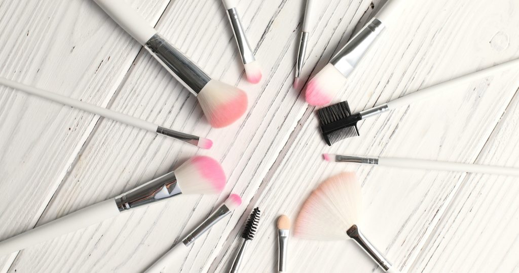 Brushes for makeup in circle